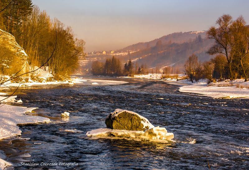 zimowy spływ Dunajcem